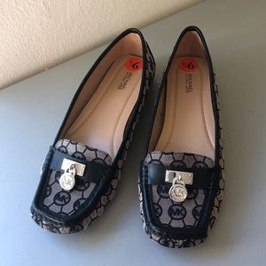 🍀 Michael Kors Loafers